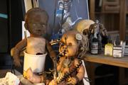 muñecos terroríficos fabricados por Carlos Díez.